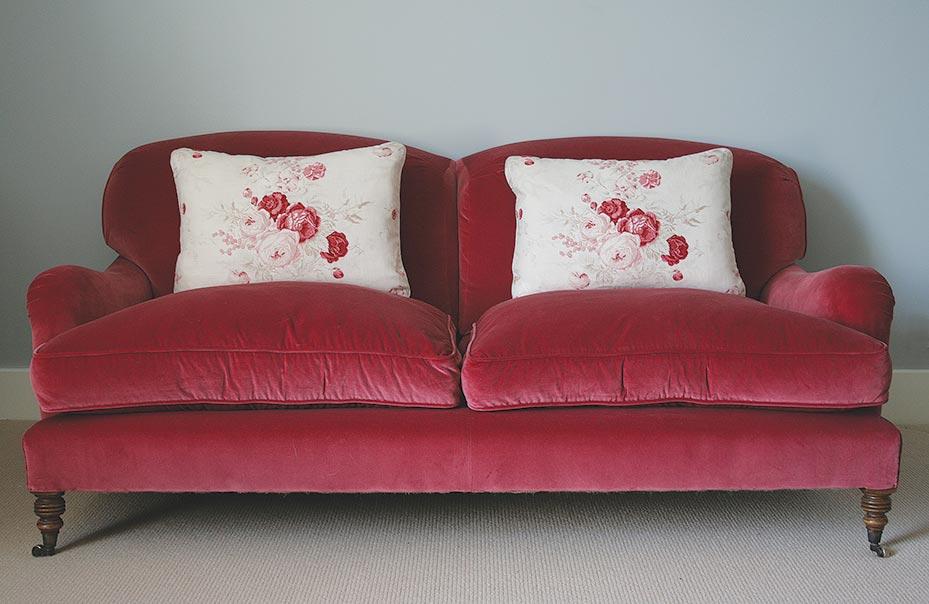 Red Velvet Sofa 03