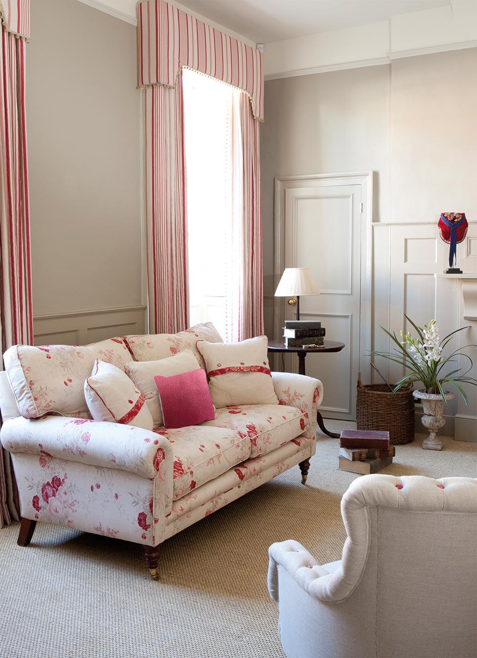 Roses Sofa