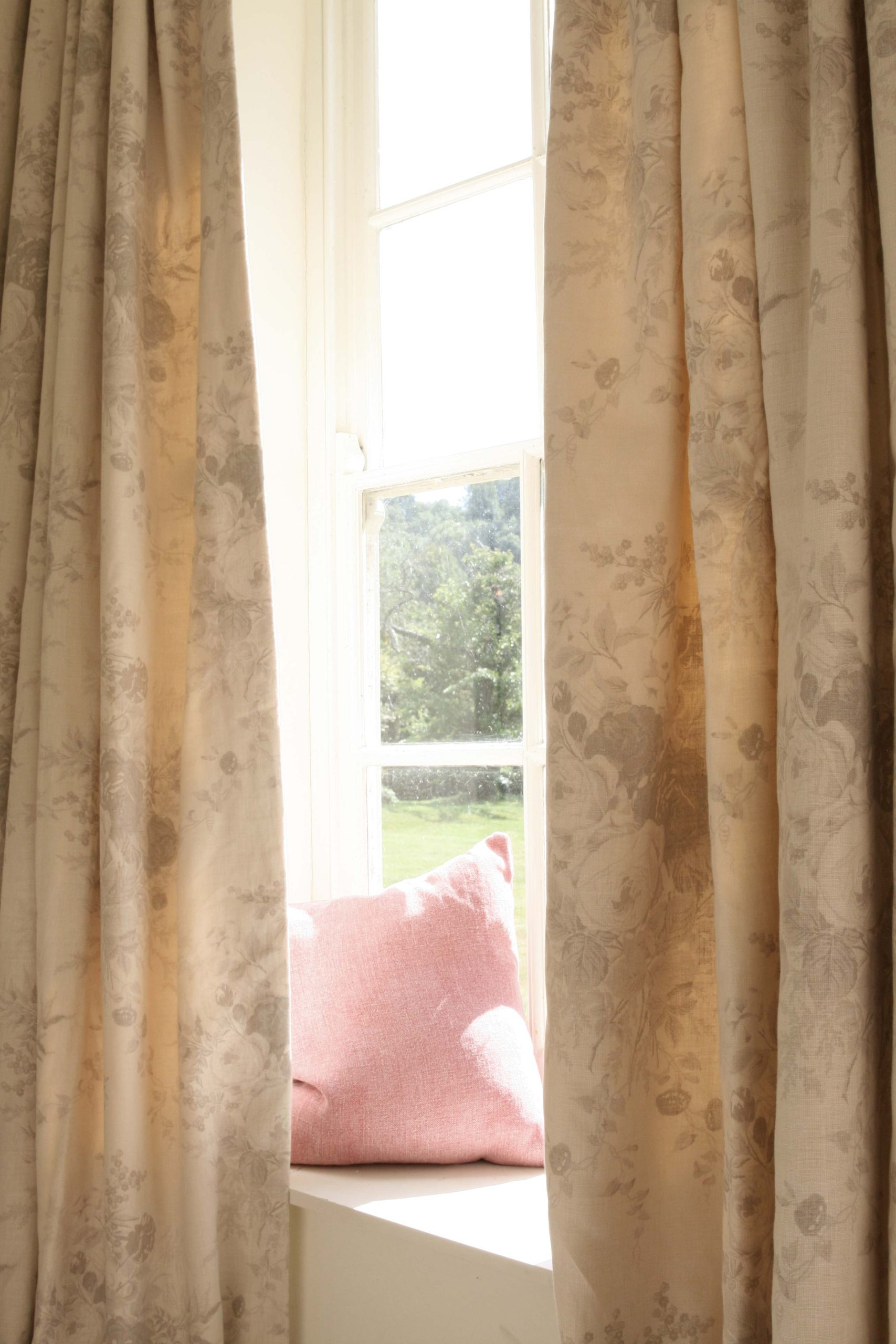 Oyster-Roses-Curtains-CU