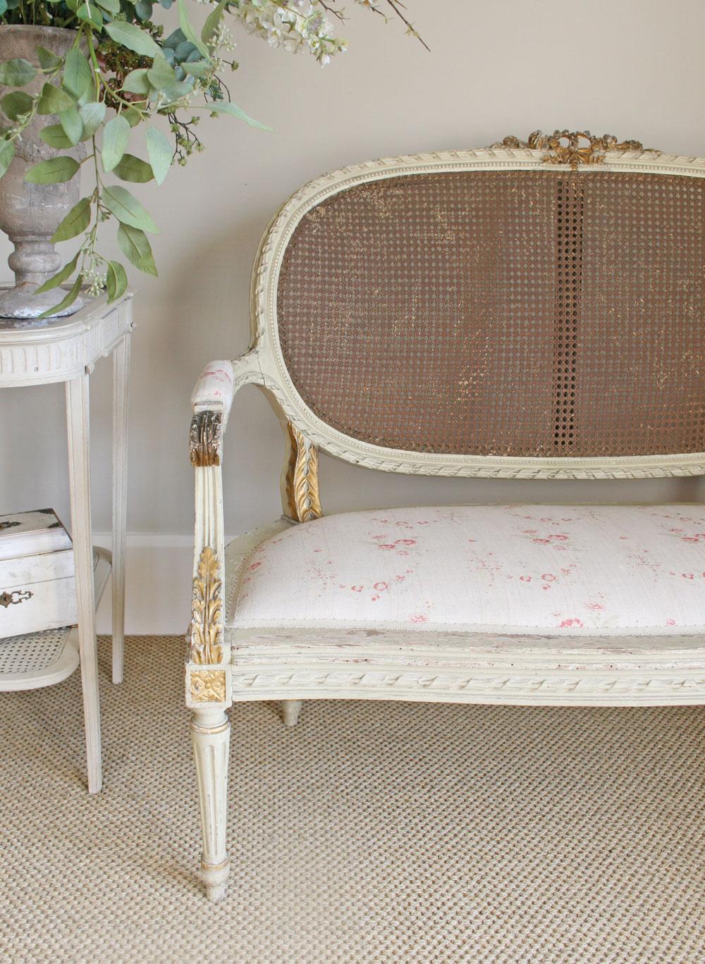 Bella-Chair