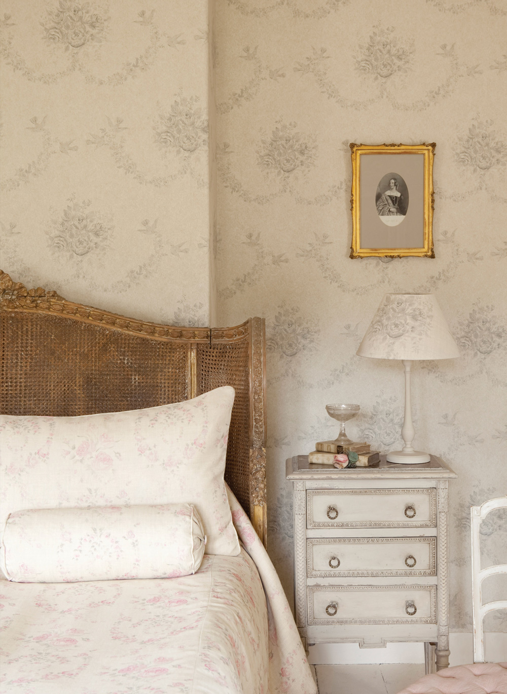 Grey-Sophia-Wallpaper-5