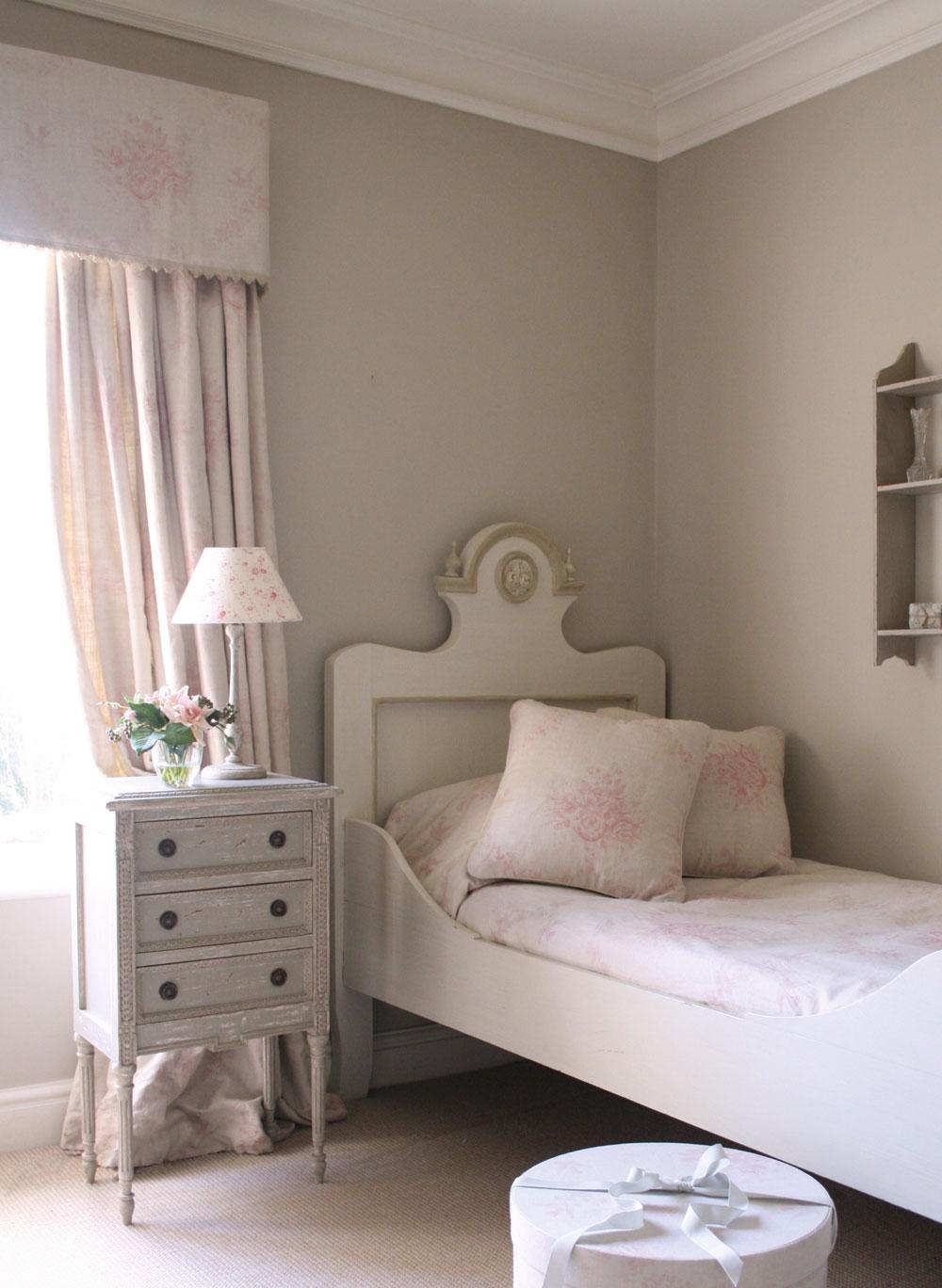 Pink-Sophia-Curtains-Pelmet
