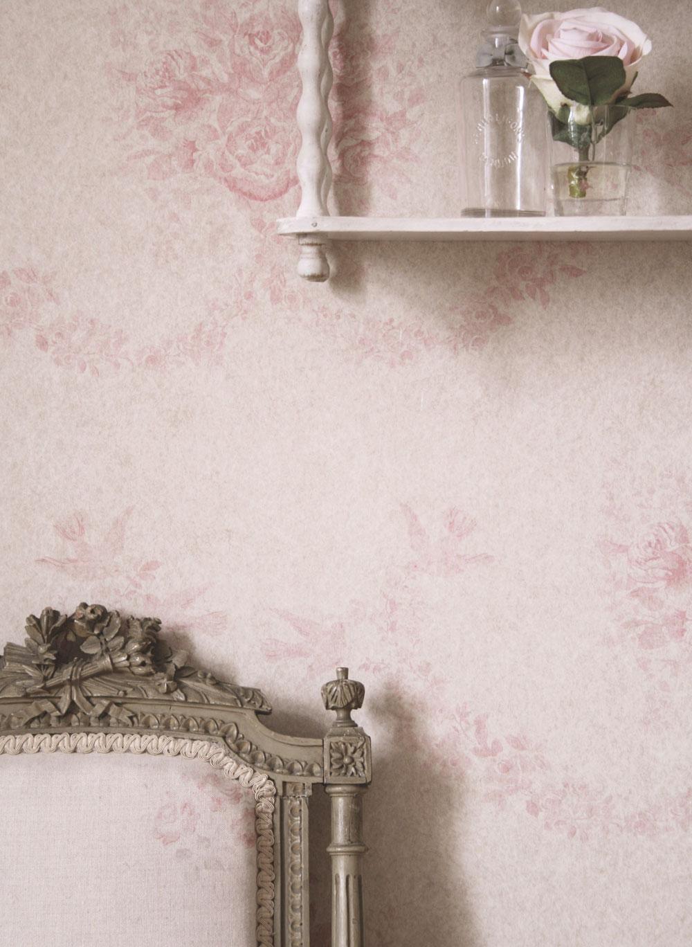 Pink-Sophia-Wallpaper-Close-Up