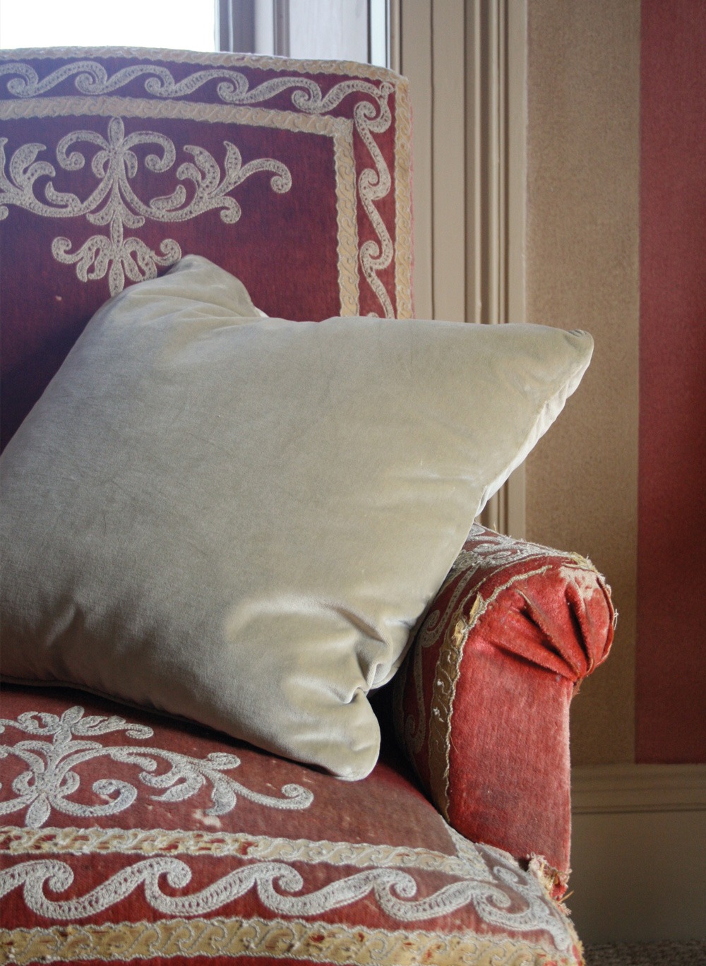 Sage-Velvet-Cushion