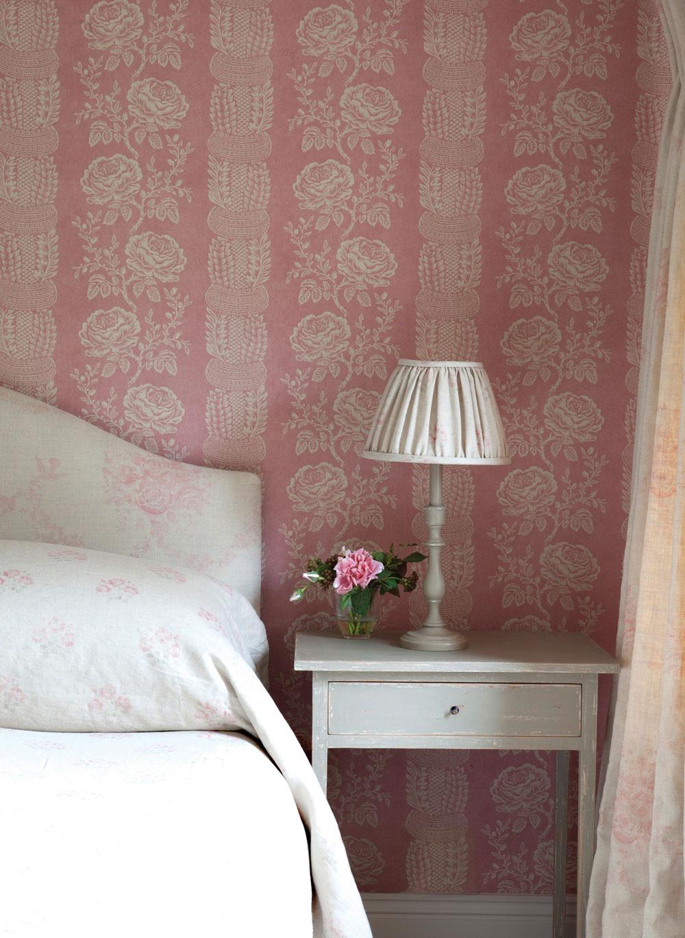 delilah-wallpaper-2