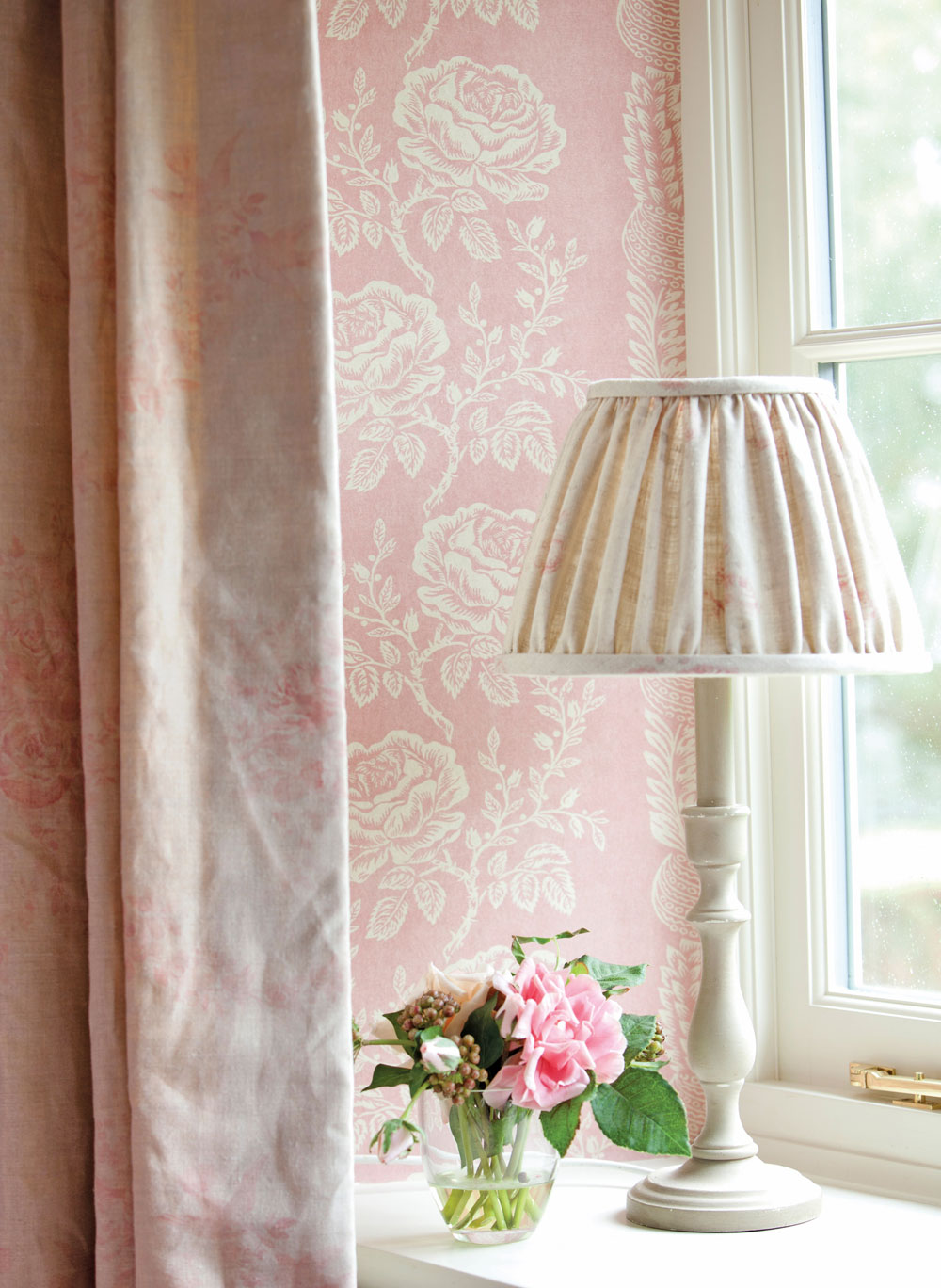delilah-wallpaper-close-up