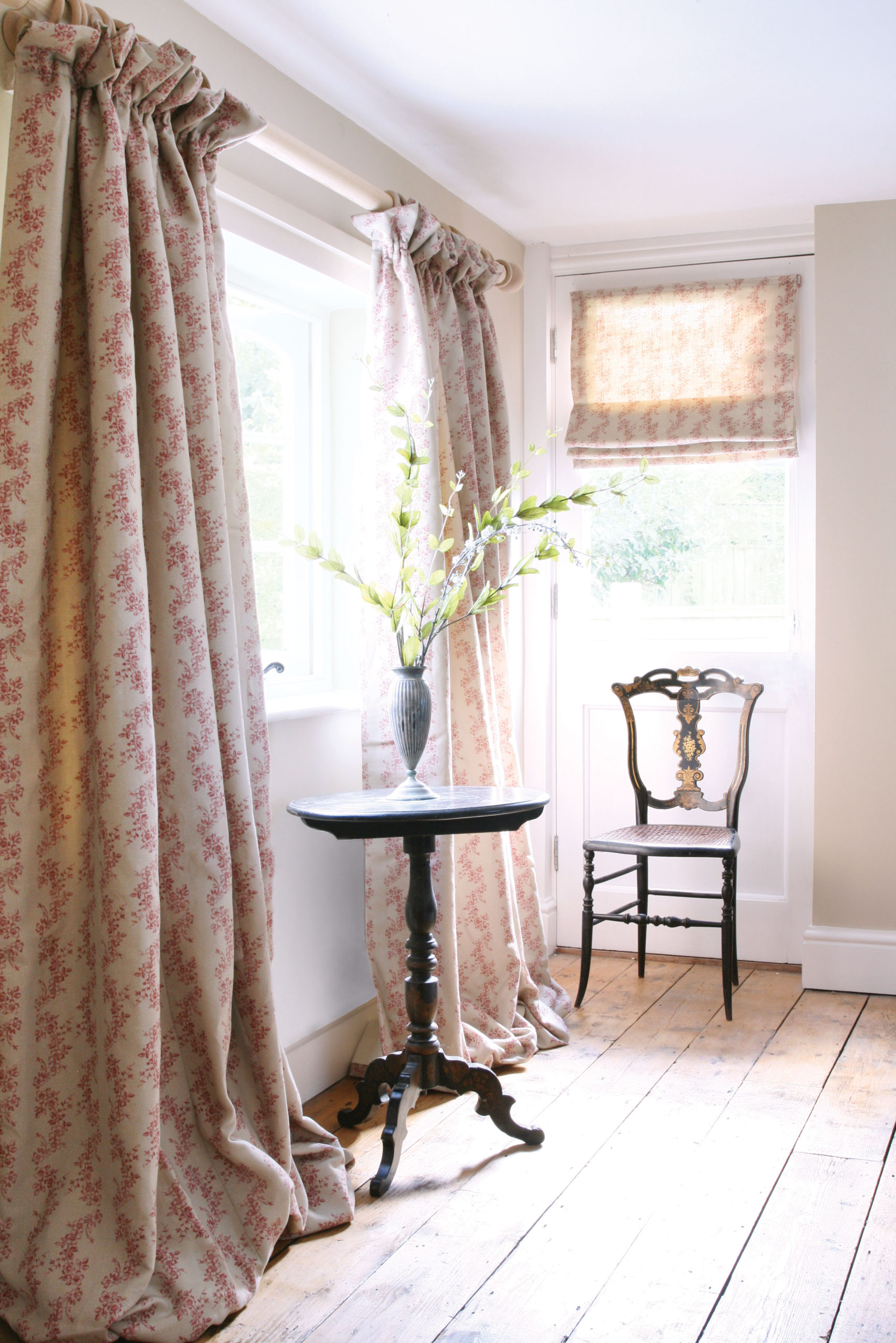 Daphne-Red-Curtains-Bedroom