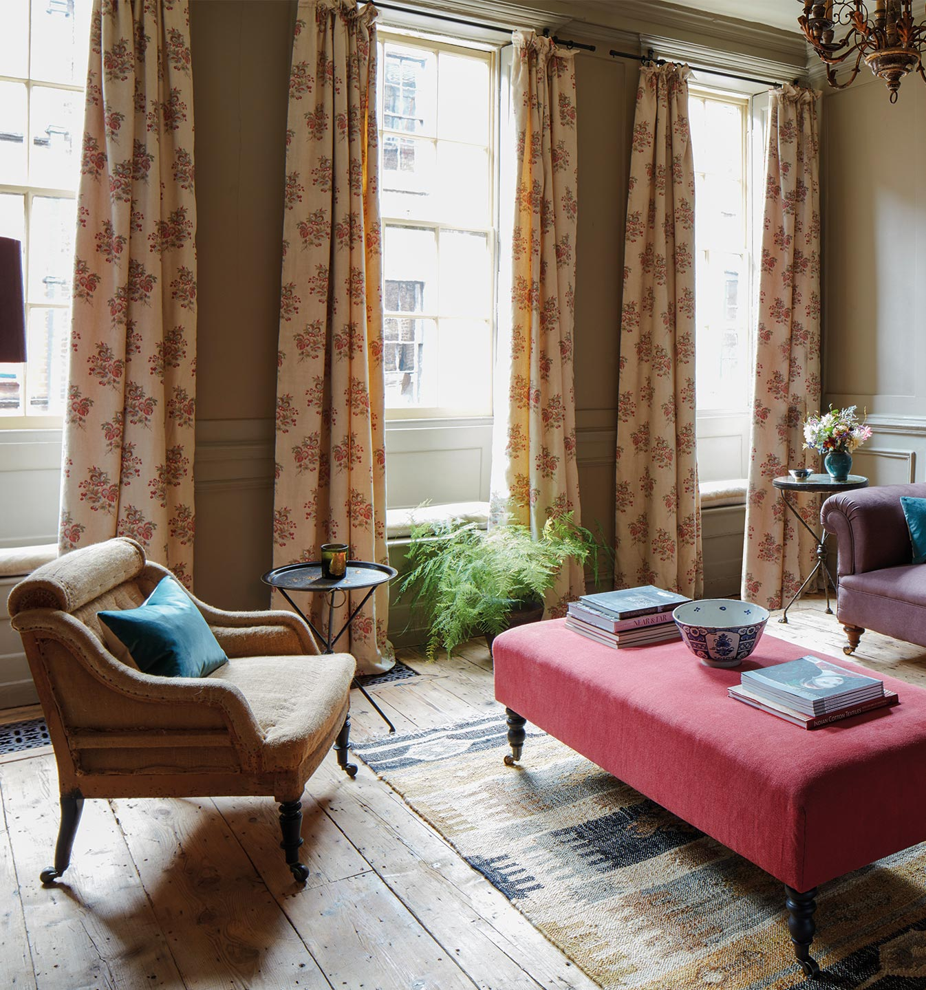 Savannah Curtains Drawing Room Set_CROP